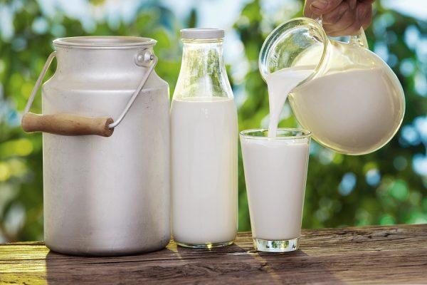 Thực phẩm giàu Canxi số 1 - Sữa tươi